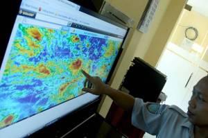 BPBD DKI Imbau Waspada Cuaca Ekstrem di Jaktim dan Jaksel