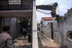 Polisi Ungkap Penyebab Crane Terguling dan Menimpa Rumah Warga di Depok