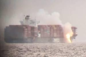 Kapal Kontainer Angkut Bahan Berbahaya Terbakar di Lepas Pantai Kanada