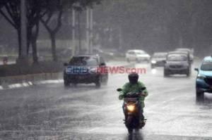 Peringatan Dini, BMKG: Waspada Hujan Lebat Siang dan Sore Hari
