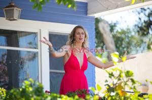 Penyanyi Opera Tampil di Teras Rumah Saat Pandemi Corona di San Diego