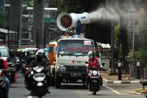 Cegah Covid-19, PMI Kerahkan Armada Gunner Spray Semprot Jalan di Jakarta