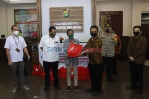 Bank Sahabat Sampoerna Berbagi 10.000 Paket Sembako