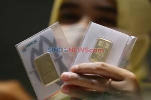 Harga Emas Antam Turun Rp 8.000