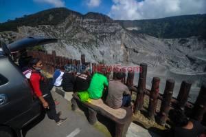 Wisata Alam Gunung Tangkuban Perahu Kembali Dibuka