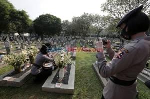 HUT Ke-74 Bhayangkara, Polri Tabur Bunga di TMP Kalibata