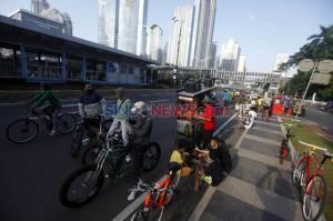 Meski Dilarang, PKL Nekat Berjualan di Kawasan Sudirman