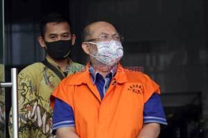 Setelah Terjaring OTT, Bupati Kutai Timur Non Aktif Ismunandar Jalani Pemeriksaan Perdana
