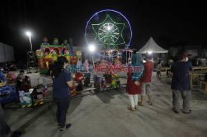 Menikmati Gemerlap Pasar Malam di Zona Merah Covid-19