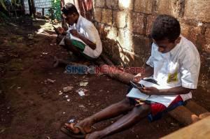 Pelajar di Papua Wajib Berseragam Sekolah Saat Belajar Daring