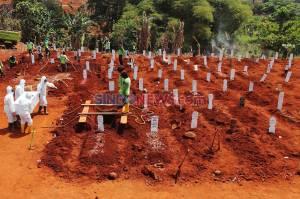 Tembus 30 Jenazah Per Hari, Petugas Pemakaman Pondok Ranggon Kewalahan Makamkan Korban Covid-19