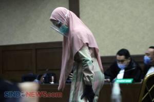 Tampil Bergamis, Jaksa Pinangki Hadiri Sidang Perdana