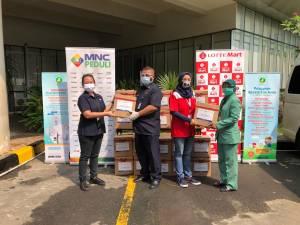 MNC Peduli dan Lotte Mart Bagikan Bingkisan untuk Petugas Rumah Sakit Hermina Kemayoran