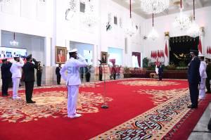 Presiden Pimpin Upacara HUT TNI Ke-75 di Istana Negara
