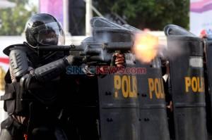 Unjuk Rasa Tolak UU Omnibus Law di Surabaya Berakhir Ricuh