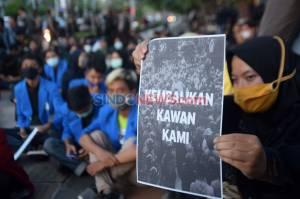 Ratusan Mahasiswa Semarang Gelar Unjuk Rasa di Kawasan Lawang Sewu