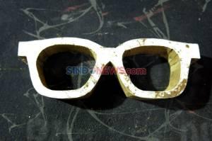 Kacamata dari Limbah Kayu Tembus Pasar Mancanegara