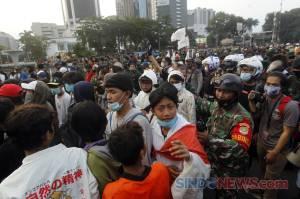 Usai Demo Tolak Omnibus Law, Prajurit TNI AD Bujuk Remaja Tanggung untuk Membubarkan Diri