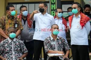 Mensos Serahkan Bansos Kemensos kepada Penghuni Balai Rehabilitasi Sosial Korban Penyalahgunaan NAFZA