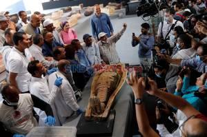 Penemuan Ratusan Peti Mati Berisi Mumi yang Terkubur 2.500 Tahun