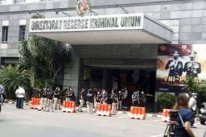 Puluhan Polisi Tunggu Kedatangan Anies Baswedan
