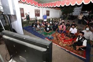 Bala Bhineka Gelar Nobar Debat Pilkada Surabaya di Ponpes Ndresmo Dalem