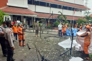 Polda Metro Jaya Gelar Rapid dan Swab Test di Petamburan