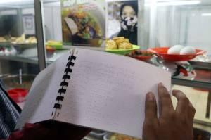 Warteg di Bintaro Tangsel Berikan Makan Gratis Bagi Difabel