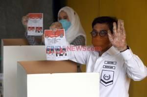 Cawalkot Surabaya Machfud Arifin Gunakan Hak Pilih