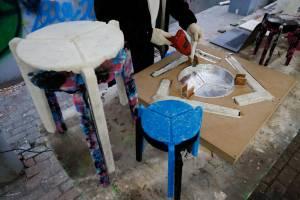 Mahasiswa di Korea Selatan Membuat Kursi Daur Ulang Masker