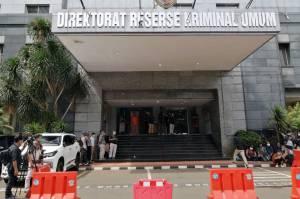 Awak Media Tunggu Kedatangan Habib Rizieq di Polda Metro Jaya