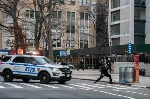 Polisi Tembak Mati Pria Bersenjata di Gereja Katedral New York
