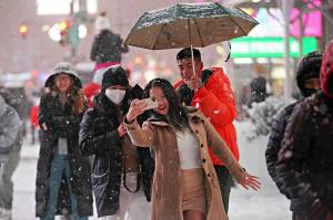 Hujan Salju AS, Warga Diminta Waspada Badai Musim Dingin