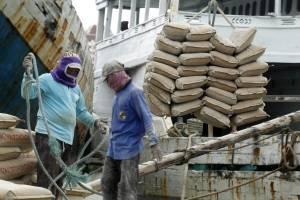 Aktivitas Pelabuhan Sunda Kelapa di Tengah Pandemi Covid-19