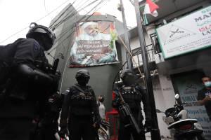 Jelang Penertiban, Brimob Polda Metro Jaya Datangi Kantor DPP FPI di Petamburan