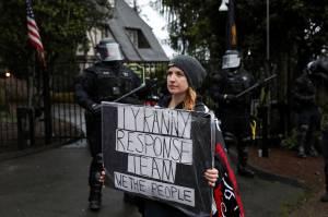 Pendukung Trump Protes Pembatasan Sosial di Oregon AS