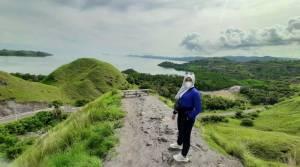 Bukit Amelia Labuan Bajo Sajikan Hamparan Pemandangan Indah