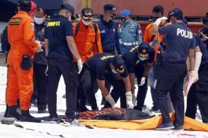 Tim DVI Lakukan Identifikasi Awal Jenazah Korban Sriwijaya Air SJ182
