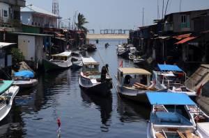 Mengunjungi Pelabuhan Rakyat Paotere Makassar
