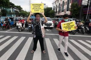 Aksi Peringatan Hari Pejalan Kaki Nasional