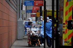 Angka Kematian Akibat Covid-19 di Inggris Melampaui 100 Ribu