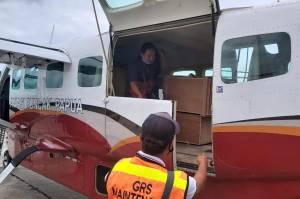 Korban Penembakan KKB Tiba di Bandara Mozes Kilangin Timika