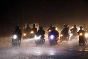 Hujan Deras Iringi Malam Pertama di Bulan Suci Ramadan