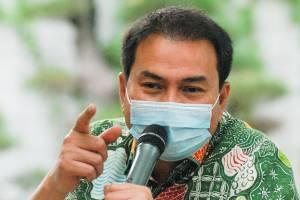 Azis Syamsuddin Minta Pengusaha Bayar Penuh dan Tepat Waktu THR untuk Buruh