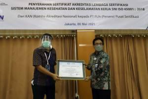 PLN Pusertif Terima Sertifikat Akreditasi dari KAN