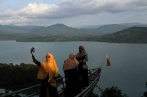 Liburan Idul Fitri di Bukit Bollangi Gowa