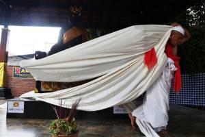 Hadapi Jalan Buntu, Besut Mengadu Pada Patung Joko Dolog