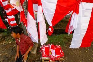 Pedagang Bendera Merah Putih Terdampak PPKM