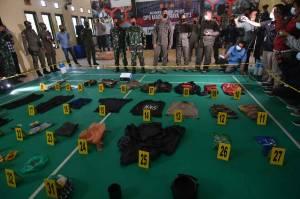 Polisi Beberkan Barang Bukti Kontak Tembak dengan Kelompok Teroris MIT Poso