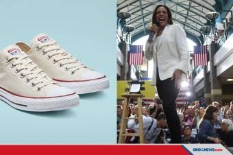 Melihat Sepatu Favorit Kamala Harris, Wapres AS Terpilih